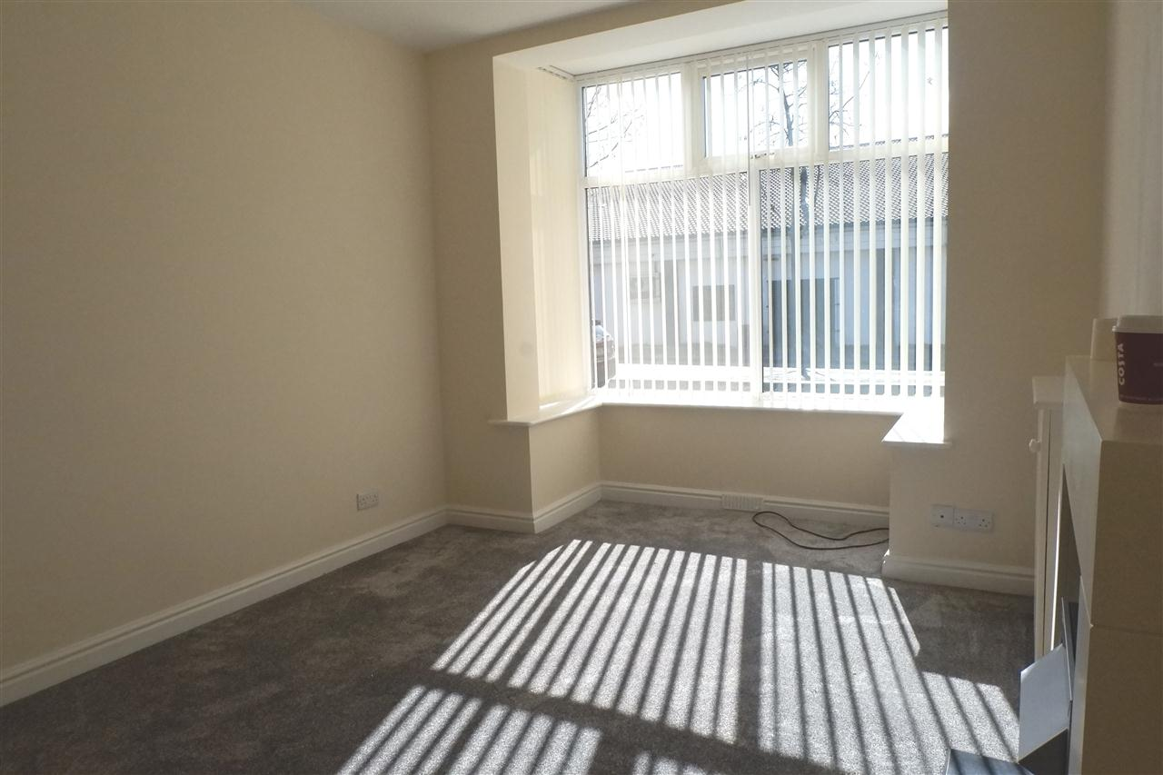 3 bed end of terrace for sale in Mason St, Horwich 4