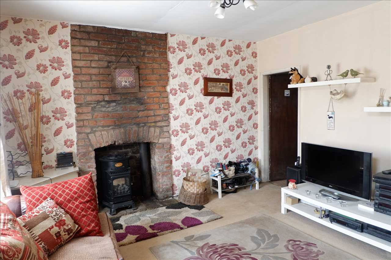 2 bed end of terrace for sale in Chorley Road, Adlington 2