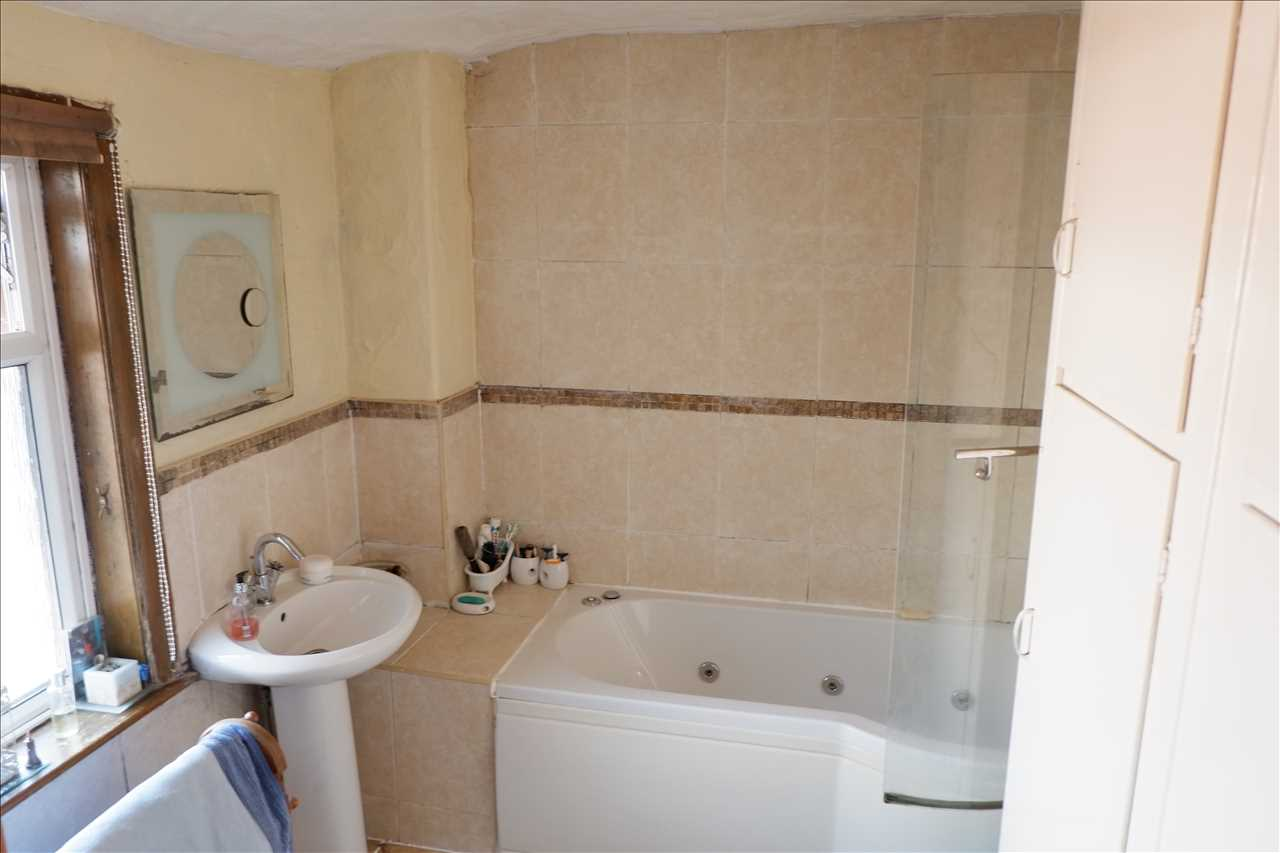 2 bed end of terrace for sale in Chorley Road, Adlington 7