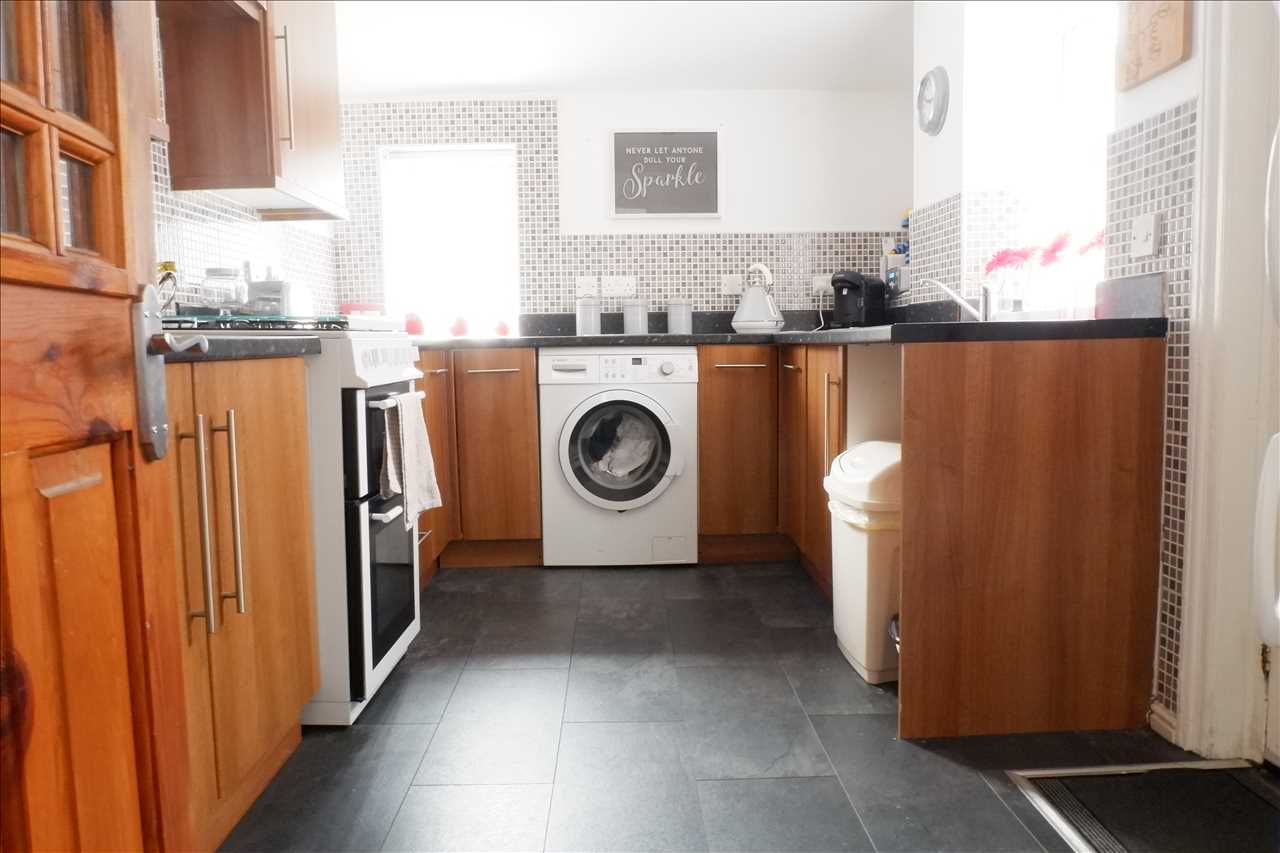 2 bed terraced for sale in Tonge Park Avenue, Bolton 3