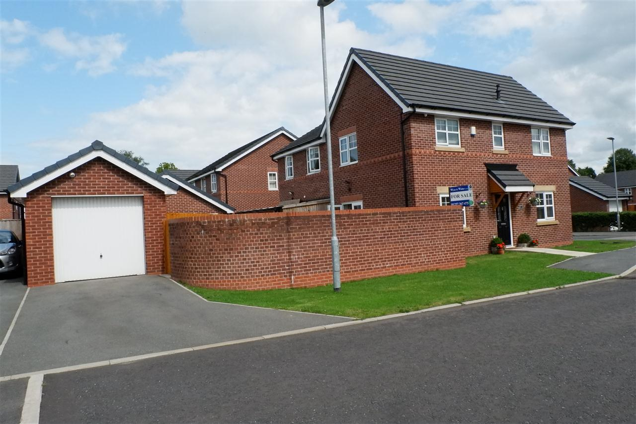 3 bed semi-detached for sale in Dukes Park Drive, Chorley 2