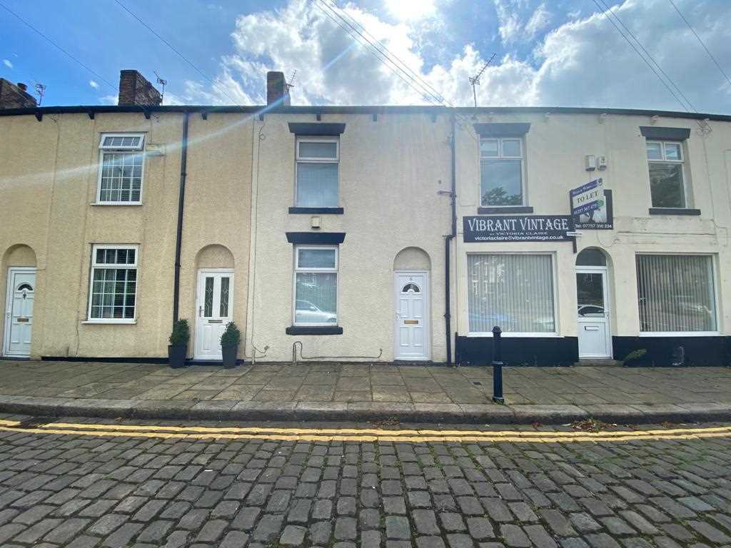 2 bed terraced to rent in Wilbraham Street, Westhoughton, Bolton - Property Image 1