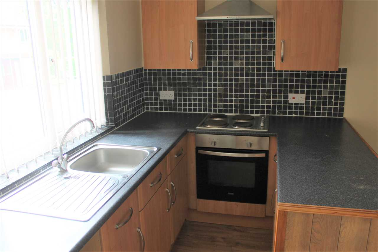 1 bed apartment to rent in Draperfield, Chorley 2
