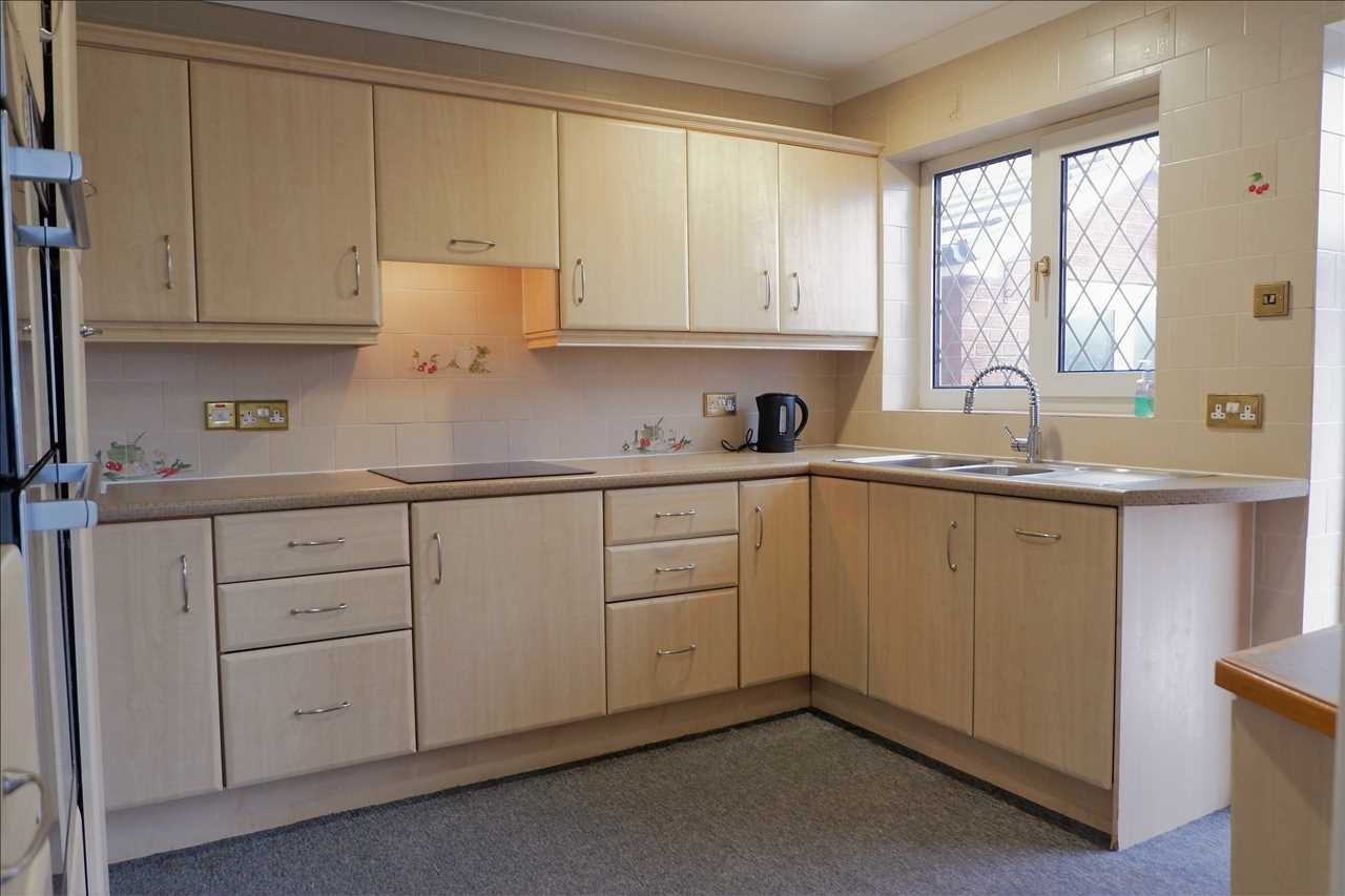 3 bed bungalow for sale in Brentwood Road, Anderton, Anderton 7