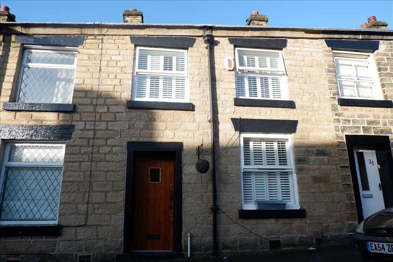 2 bed cottage to rent in Hugh Lupus St, Bolton, BL1