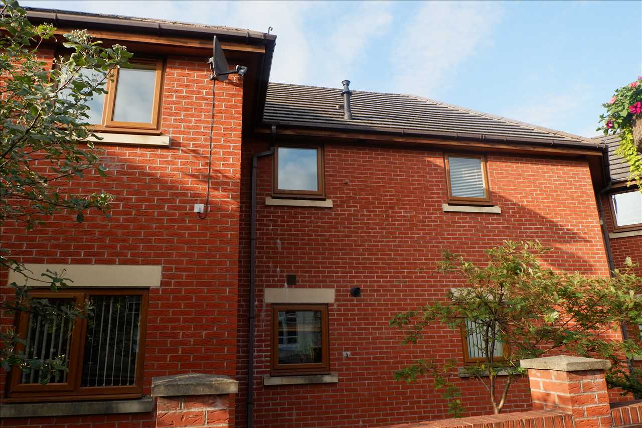 2 bed apartment to rent in Ashfield Court, Adlington, PR6