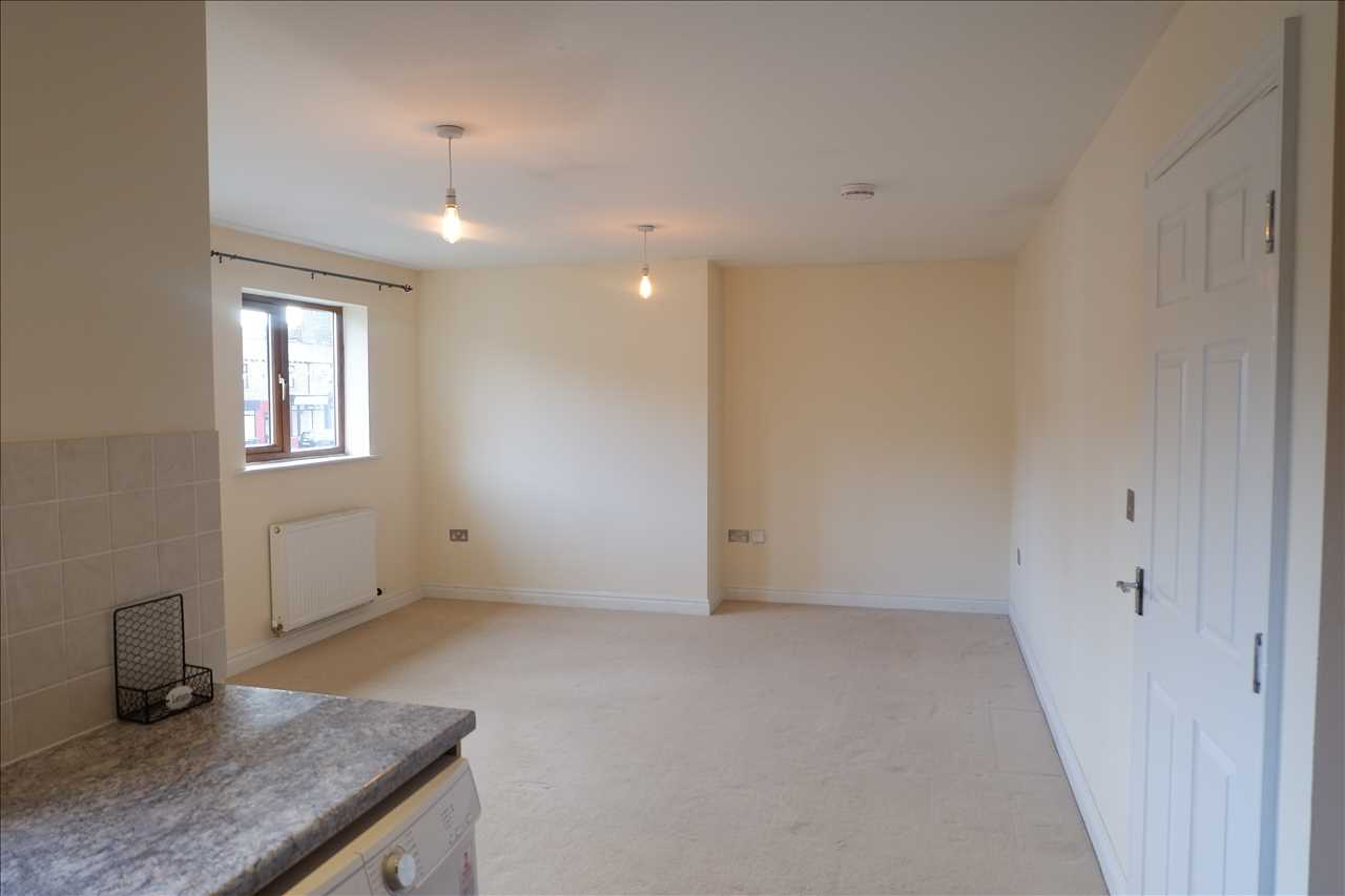 2 bed apartment to rent in Ashfield Court, Adlington 3