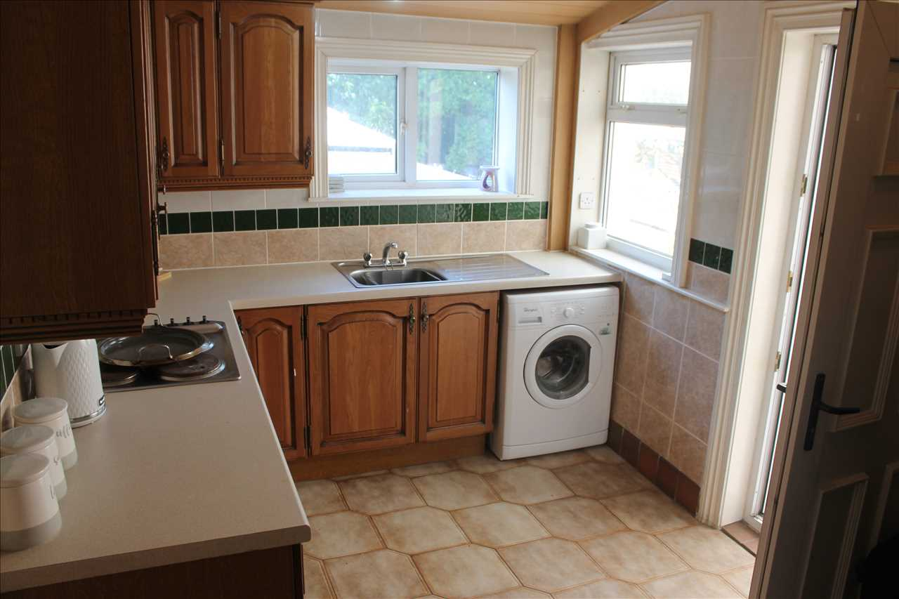 3 bed terraced for sale in Church Street, Adlington 11
