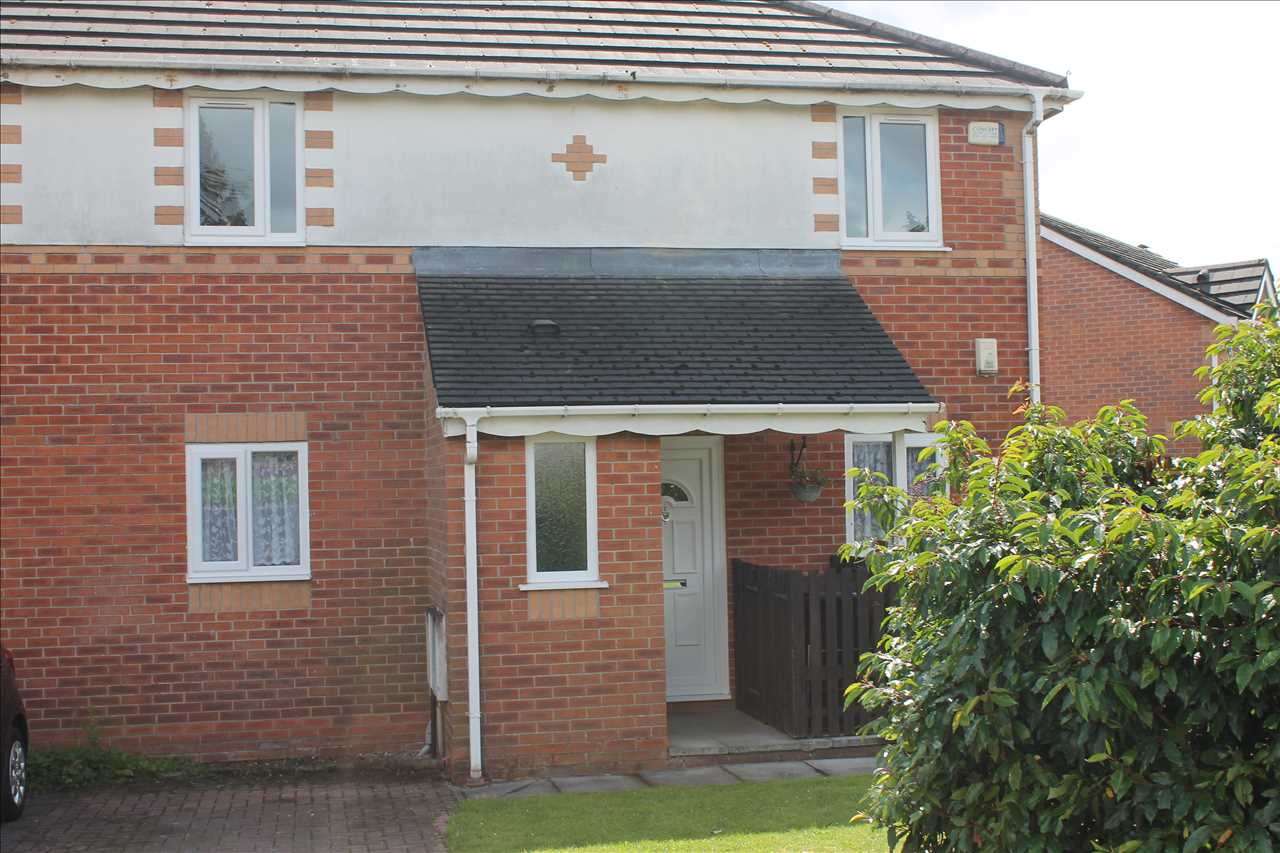 2 bed apartment to rent in Garswood Rd, Bolton, BL3