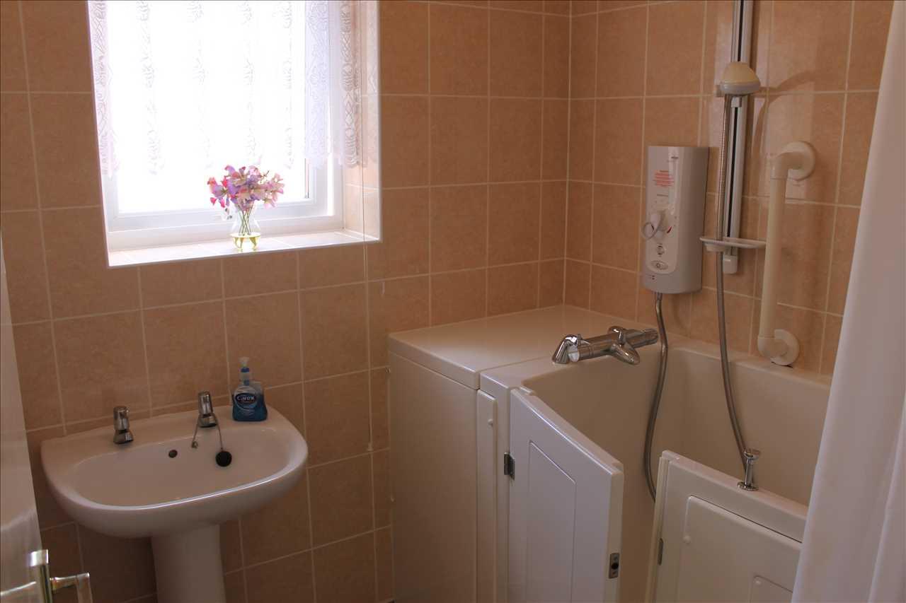 3 bed bungalow for sale in Castle Drive, Adlington 16
