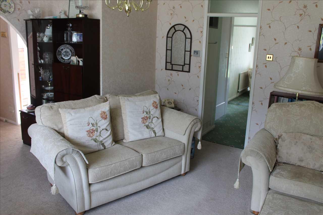 3 bed bungalow for sale in Castle Drive, Adlington 3