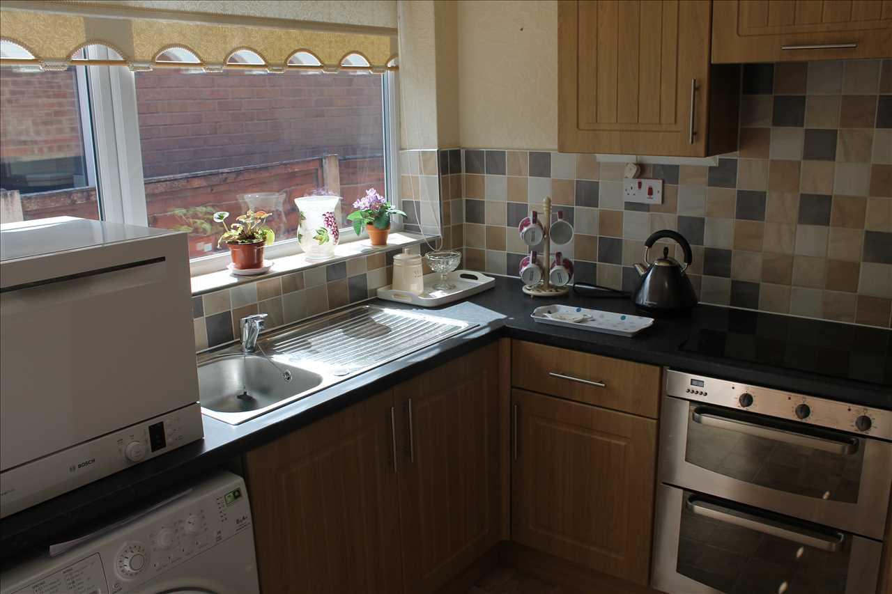 3 bed bungalow for sale in Castle Drive, Adlington 6