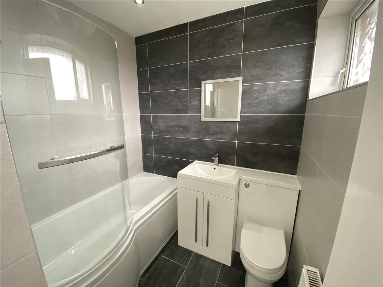3 bed bungalow to rent in Clifton Drive, Blackrod 12