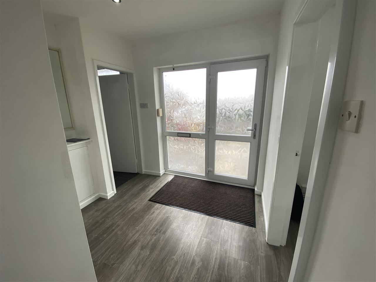 3 bed bungalow to rent in Clifton Drive, Blackrod 3