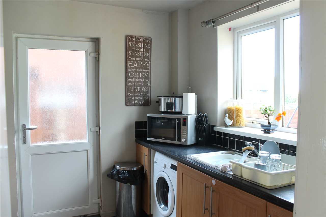 3 bed semi-detached for sale in Chester Place, Adlington 6
