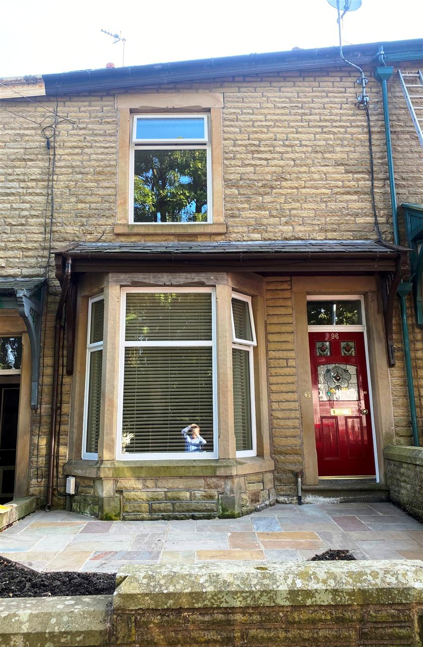 3 bed terraced to rent in Earnsdale Road, Darwen, Darwen - Property Image 1