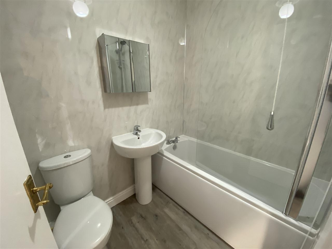 3 bed terraced to rent in Earnsdale Road, Darwen, Darwen 13
