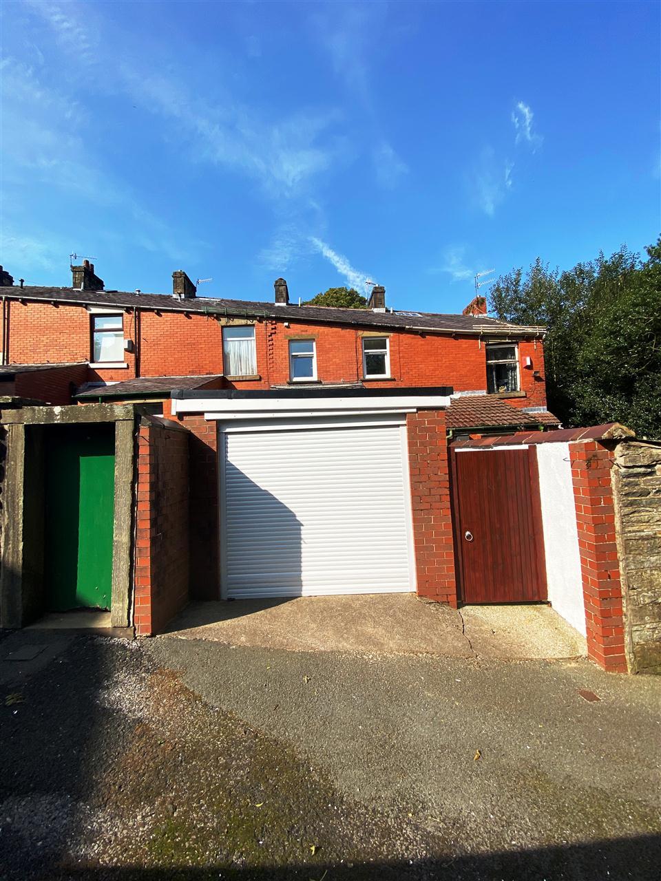 3 bed terraced to rent in Earnsdale Road, Darwen, Darwen 14