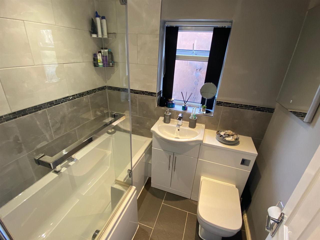 3 bed semi-detached for sale in Singleton Avenue, Horwich 15