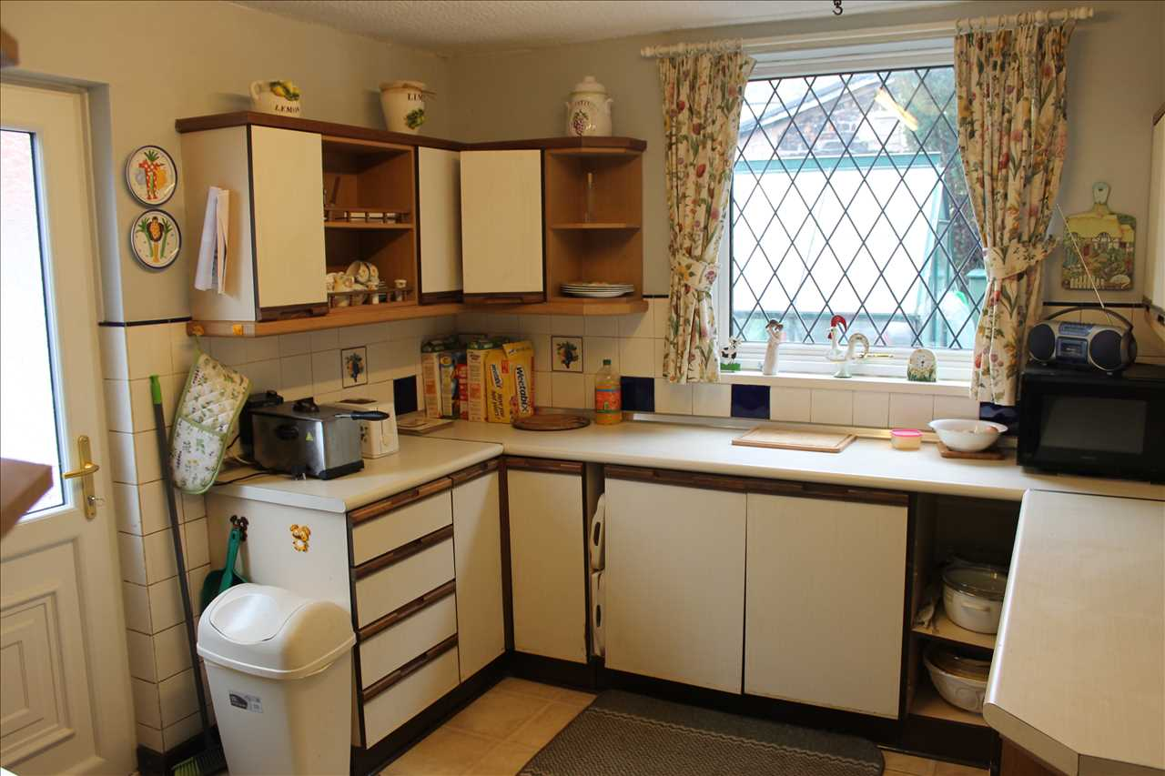 3 bed semi-detached for sale in Chorley Road, Adlington 8