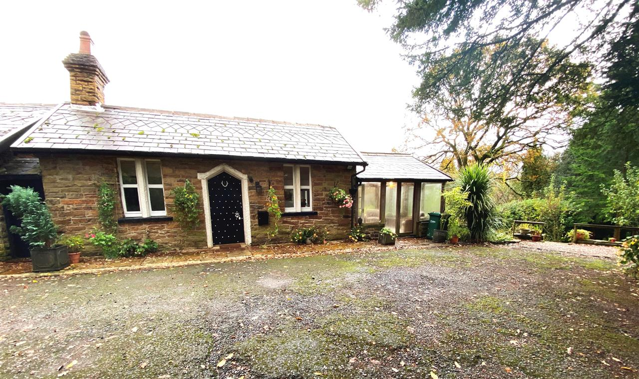 2 bed cottage to rent in Dean Wood Cottage, Rivington, BL6