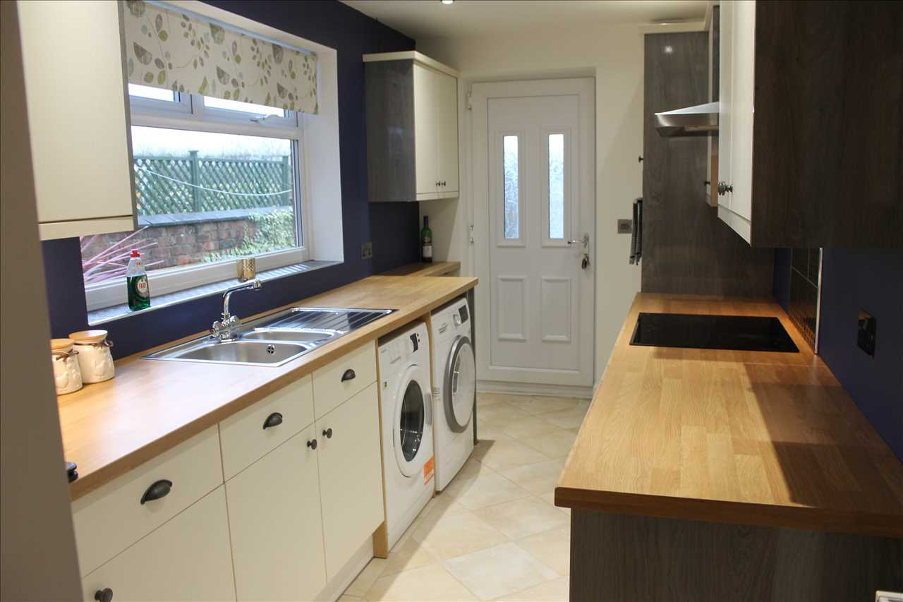 2 bed terraced for sale in Chorley Road, Adlington 10