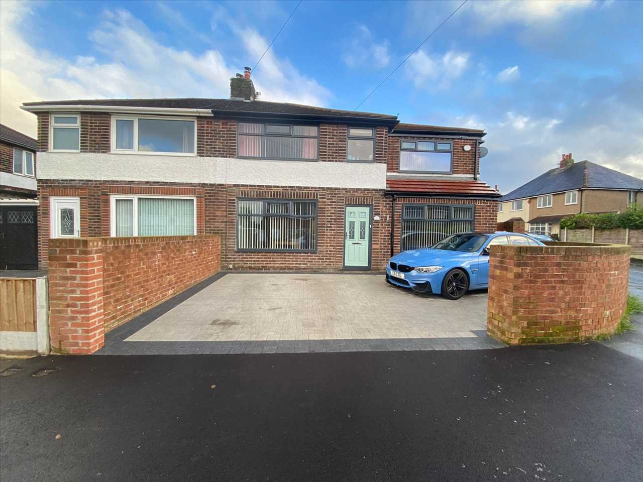 4 bed semi-detached for sale in Southdowns Road, Chorley 2