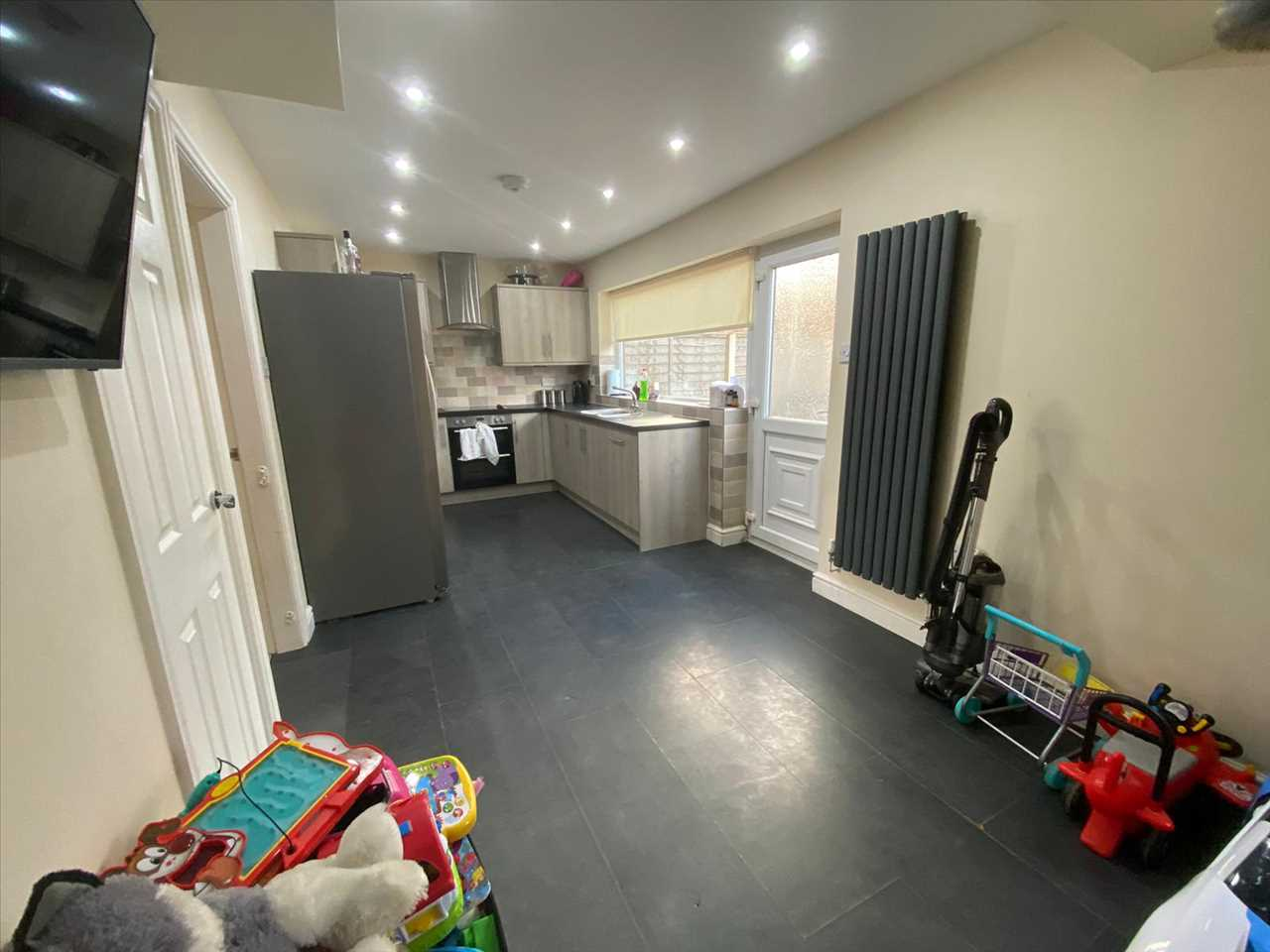 4 bed semi-detached for sale in Southdowns Road, Chorley 7