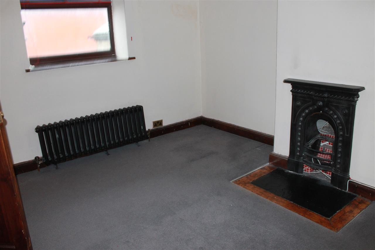 2 bed terraced to rent in Blackbun Rd,, Bolton 13