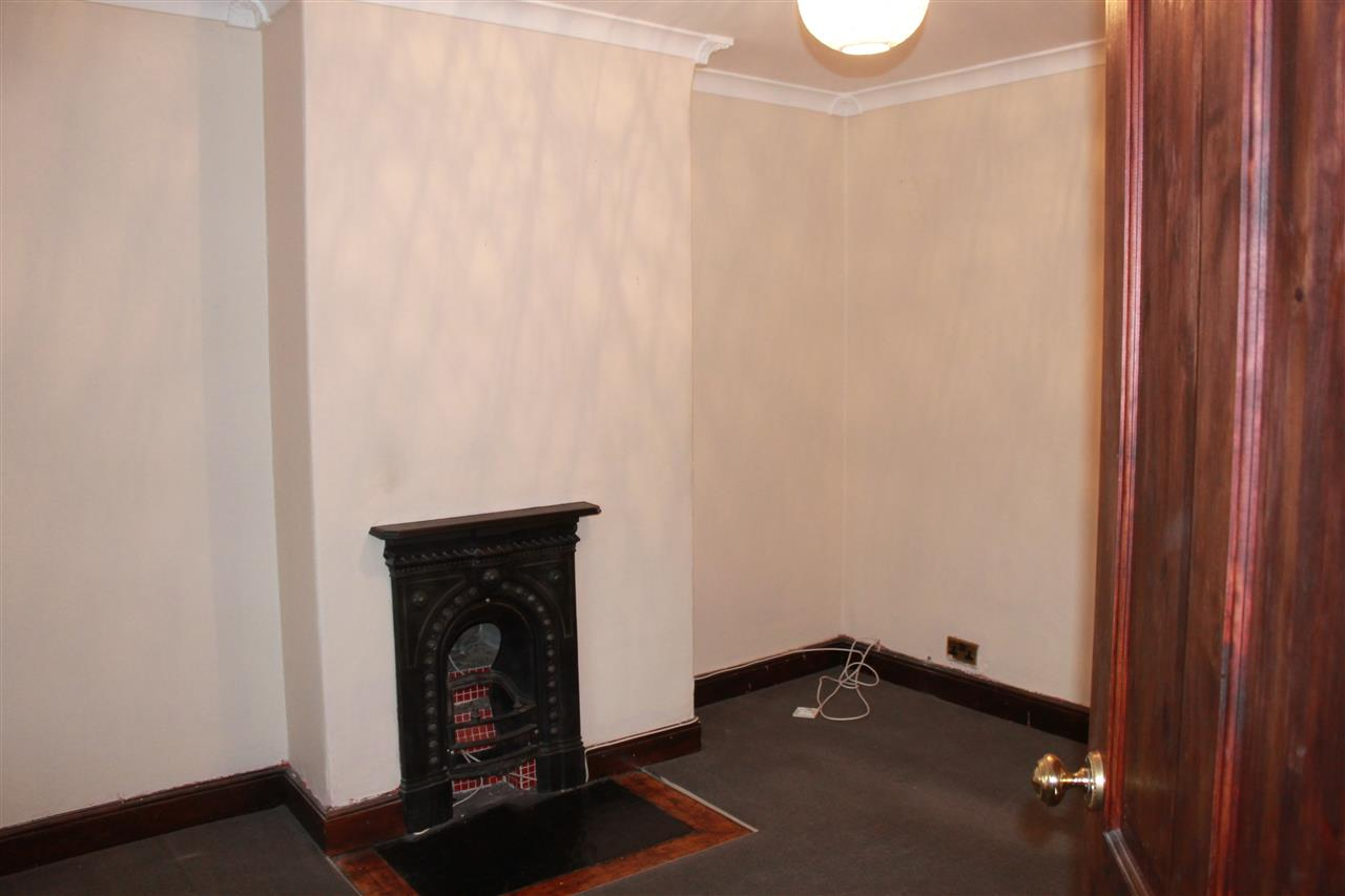 2 bed terraced to rent in Blackbun Rd,, Bolton 9