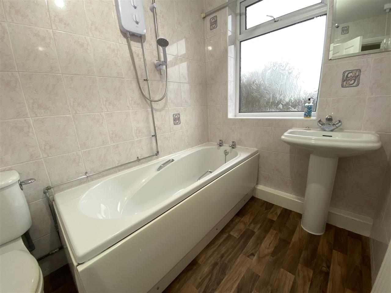 3 bed semi-detached to rent in Romney Road, Bolton 12