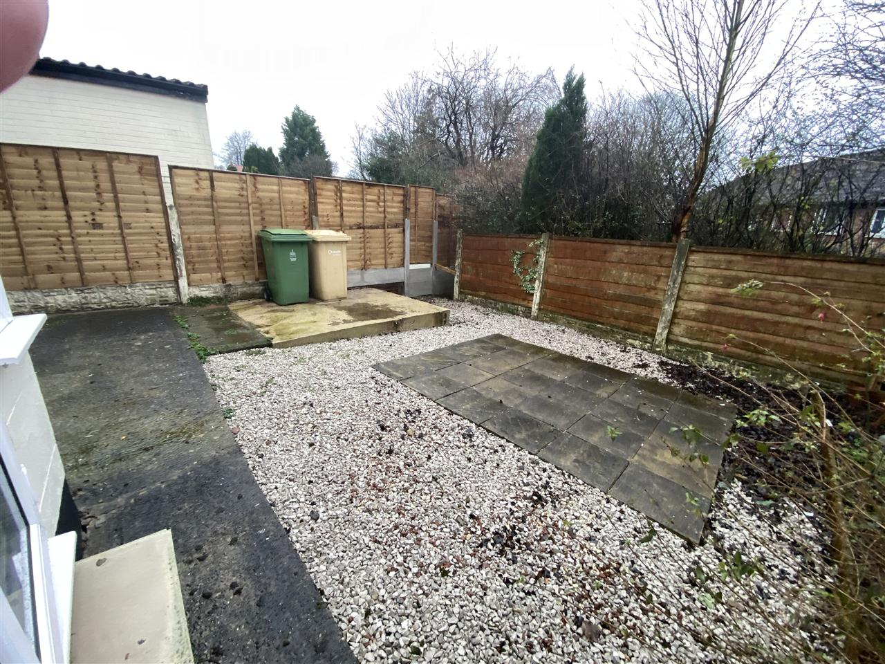 3 bed semi-detached to rent in Romney Road, Bolton 13