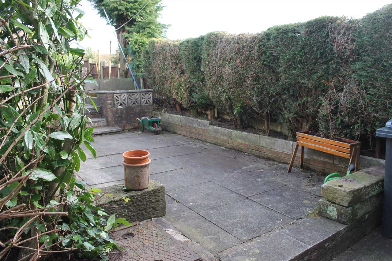 3 bed semi-detached to rent in Kirkstall Drive, Chorley 12