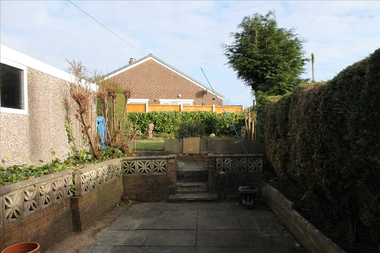 3 bed semi-detached to rent in Kirkstall Drive, Chorley 13