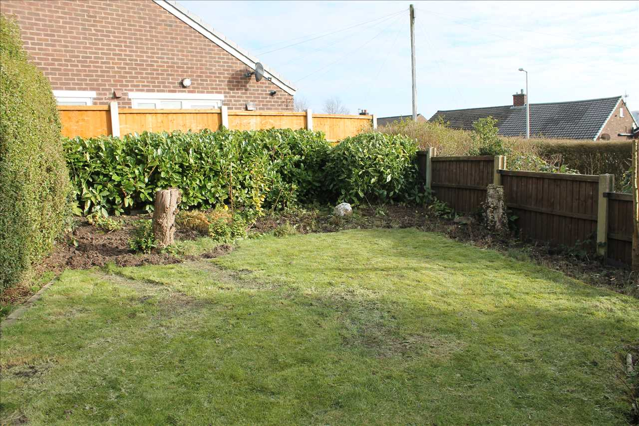 3 bed semi-detached to rent in Kirkstall Drive, Chorley 14