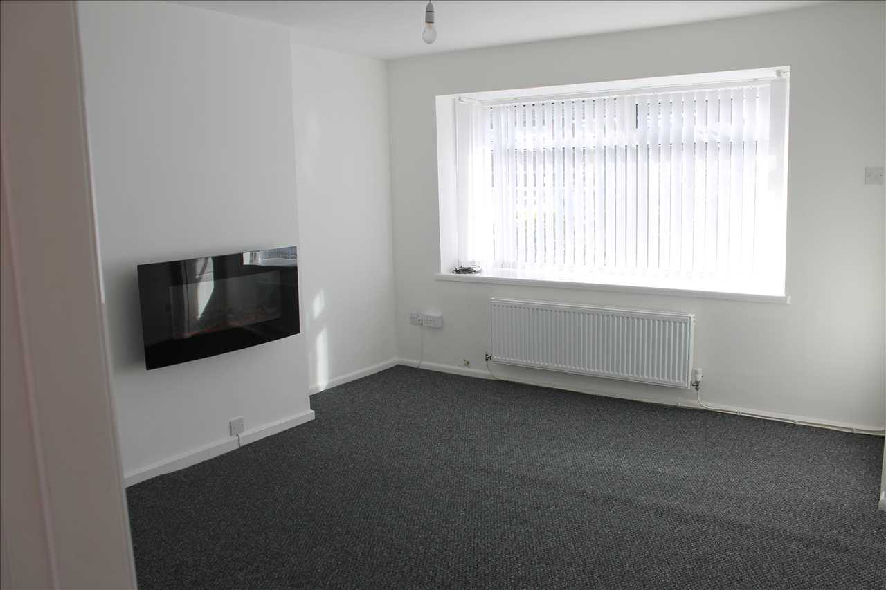 3 bed semi-detached to rent in Kirkstall Drive, Chorley 3