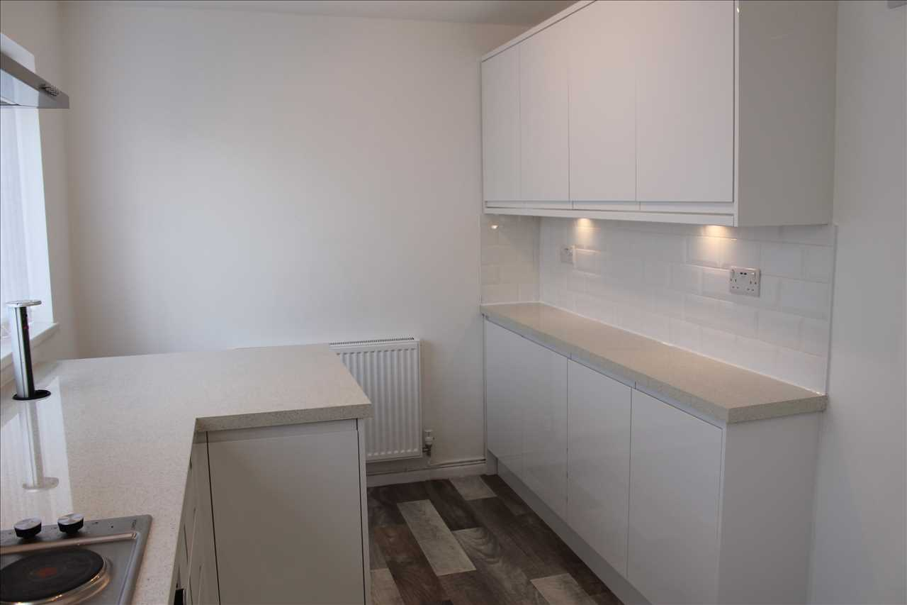 3 bed semi-detached to rent in Kirkstall Drive, Chorley 5