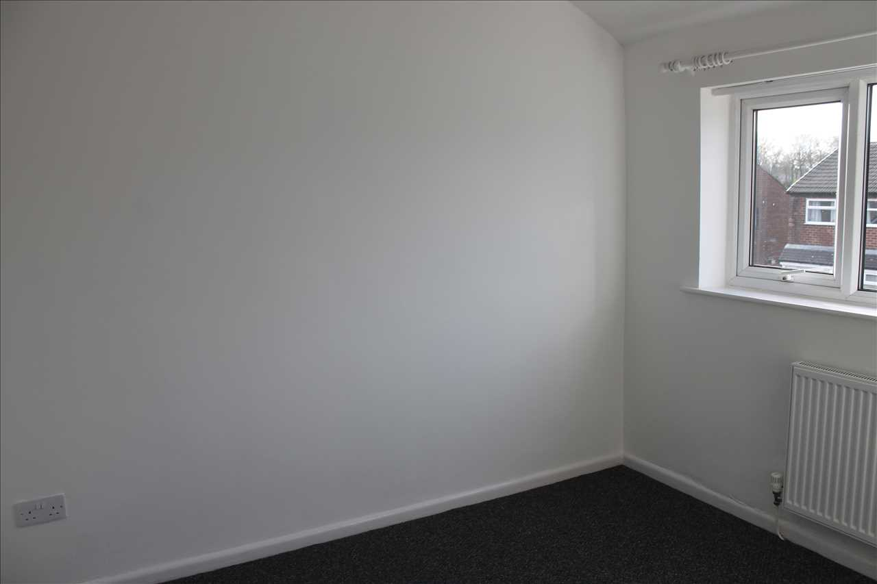 3 bed semi-detached to rent in Kirkstall Drive, Chorley 6