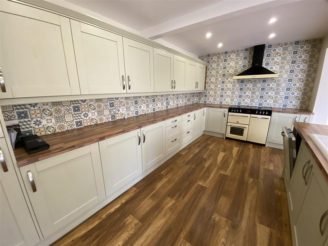 4 bed bungalow to rent in Robin Hill, Long Lane, Adlington 8
