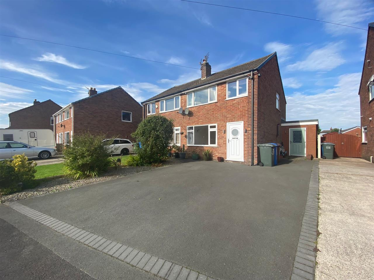 3 bed semi-detached to rent in Lewis Close, Adlington, PR7