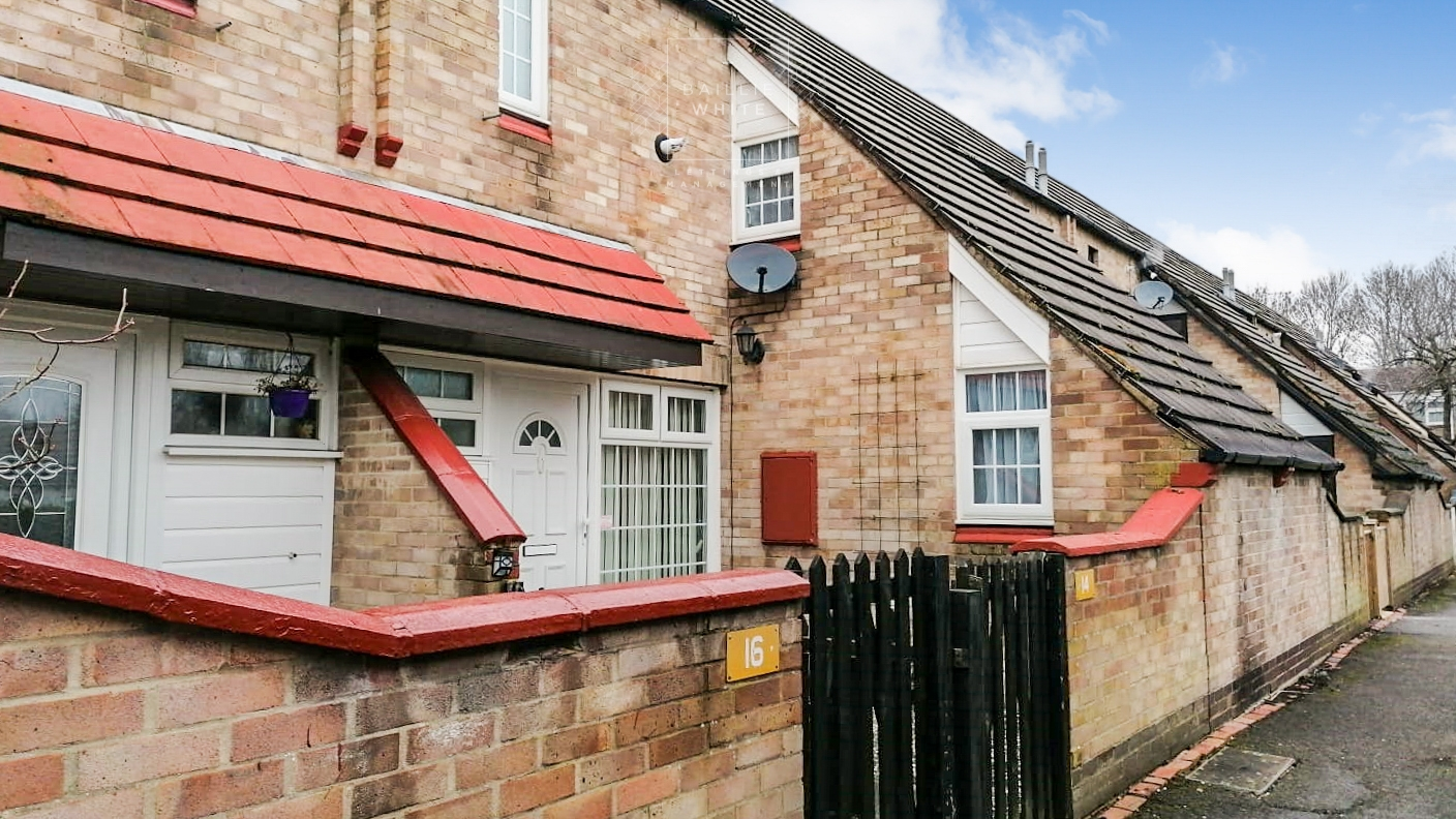 3 bed house to rent in Walthams, Pitsea - Property Image 1
