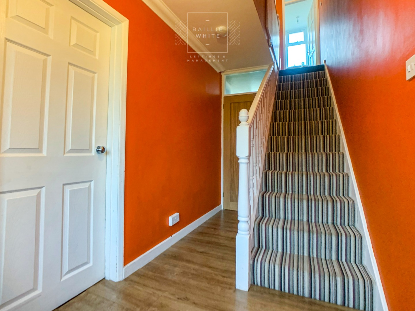 3 bed house to rent in Mynchens, Laindon 7