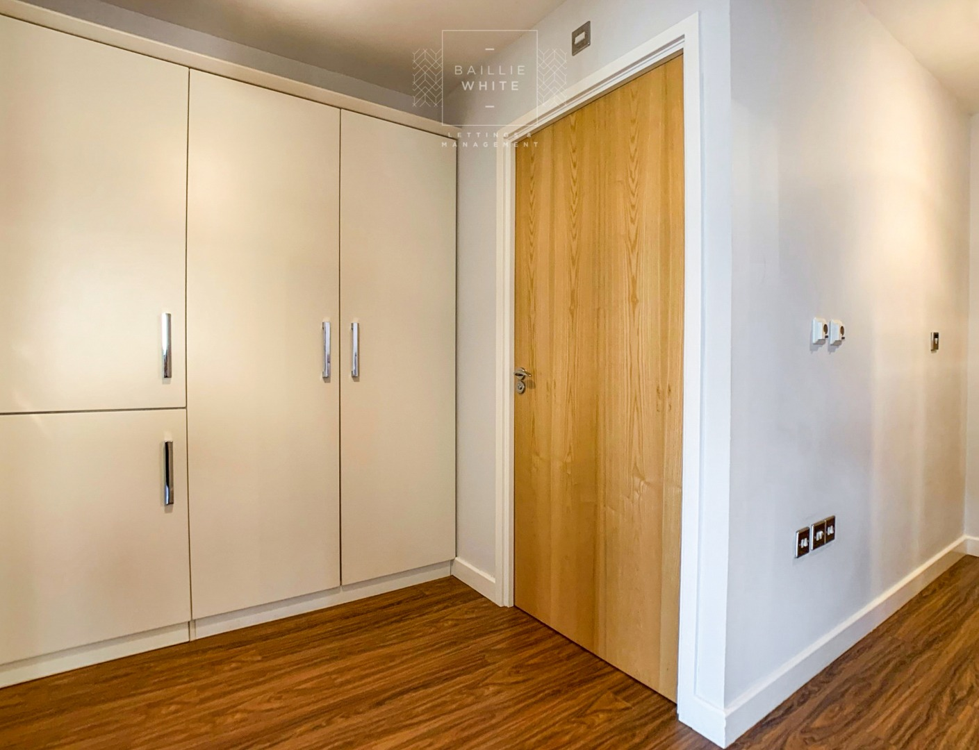 2 bed apartment to rent in Franklins Way 8