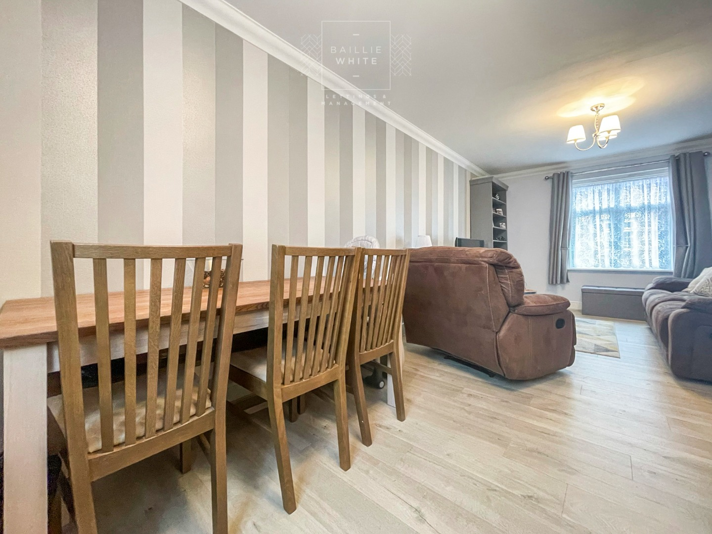 2 bed apartment to rent in Salisbury Close, Rayleigh 3