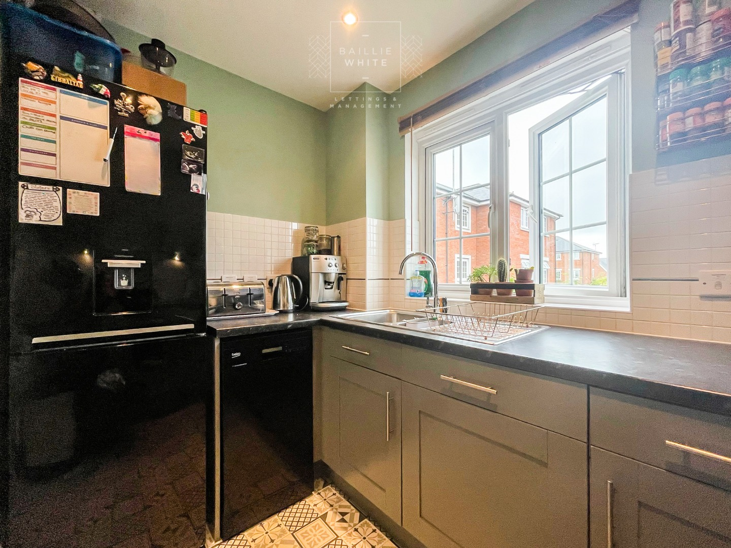 2 bed apartment to rent in Salisbury Close, Rayleigh 5