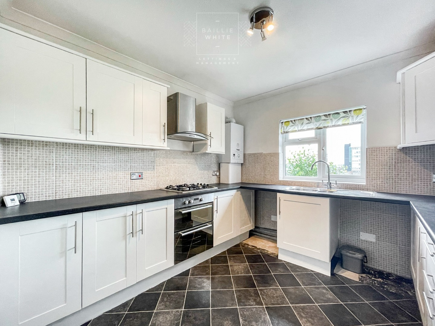 2 bed apartment to rent in Abbotts Place, Chelmsford 3