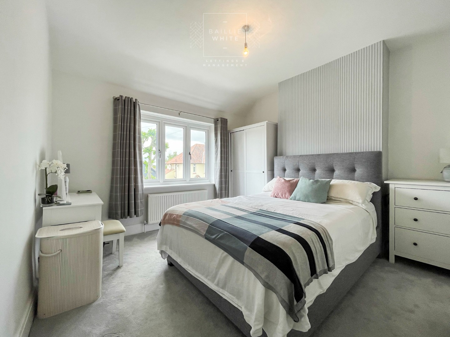 3 bed apartment to rent in Hadleigh Road, Leigh on Sea 6