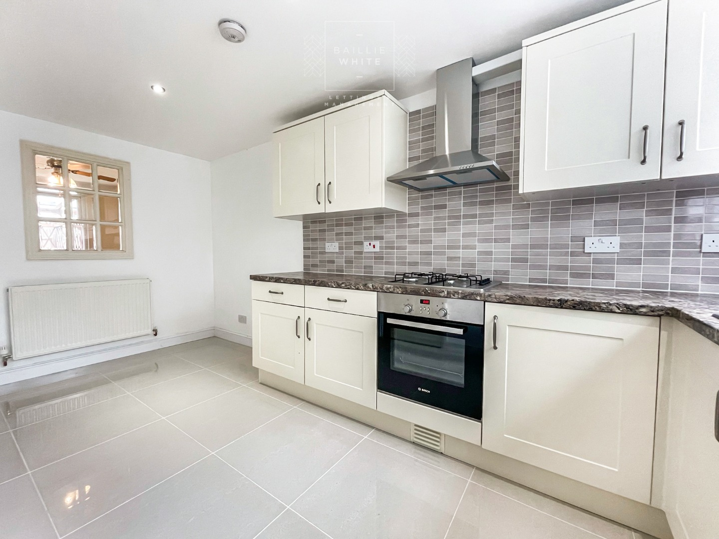 3 bed house to rent in Southwark Path, Basildon, SS14