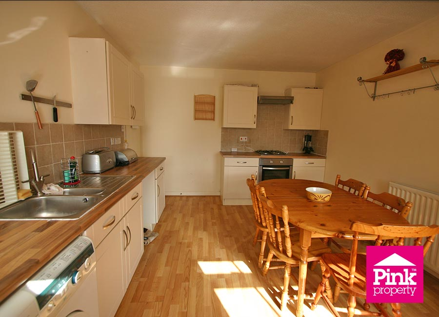 2 bed flat to rent in Ha'penny Bridge Way 4