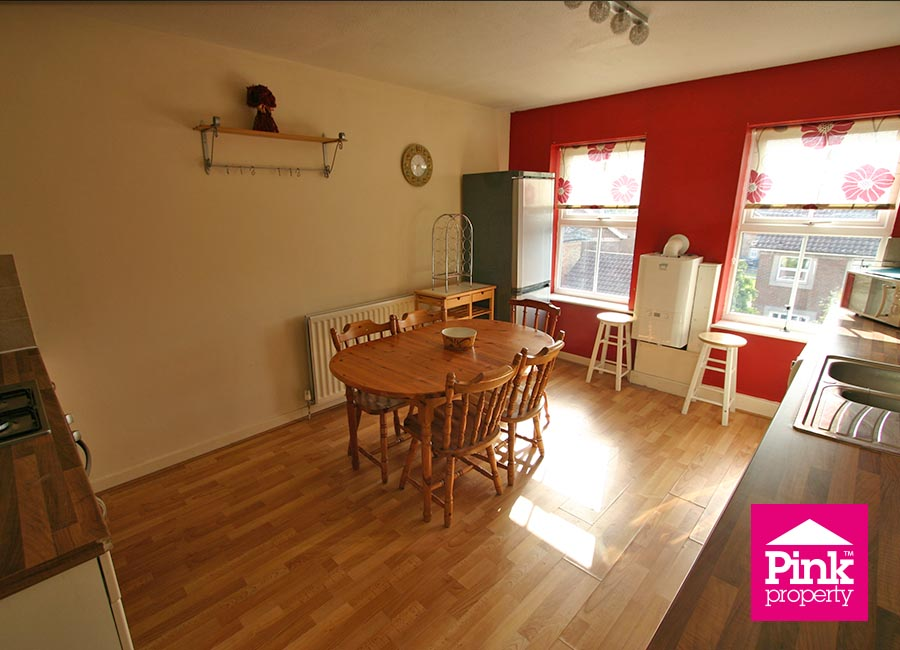 2 bed flat to rent in Ha'penny Bridge Way 8